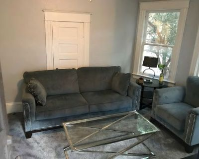 1-2 bedroom cottage apartment across from Lake Eola Downtown - Orlando Central Business District