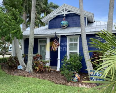 2 bedroom 2 bathroom house in Anna Maria with heated pool