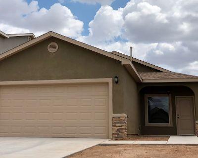 Super Cute East Mesa Home. Internet & TV Included. - Las Cruces