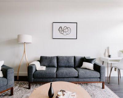 Modern Motives Lifestyle Loft | Espad n LoHi - Highland