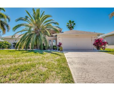 Casa Areca, Beautiful Rental Vacation Home Located In Desirable SW Cape Coral - Pelican