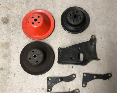 SBC Alternator Bracket & pulleys