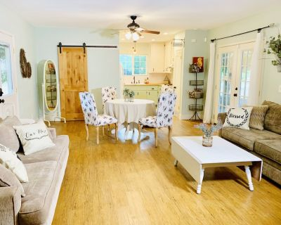 Charming Private Orchard Cottage - Chico