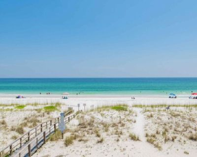 Trident House - Gorgeous Beach Front Getaway - Villa Primera