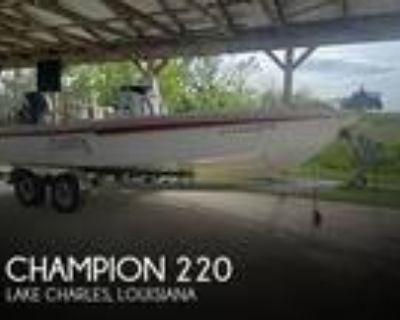 22 foot Champion 220 Baychamp