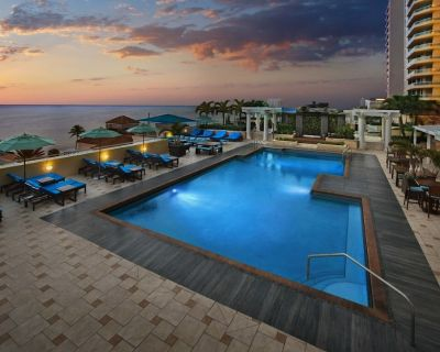 Marriott Beachplace Towers- 2 Bedroom Unit Sleeps 8! - Central Beach