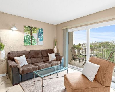Comfort & Style at Downtown Melbourne Harbor Condo! - Melbourne