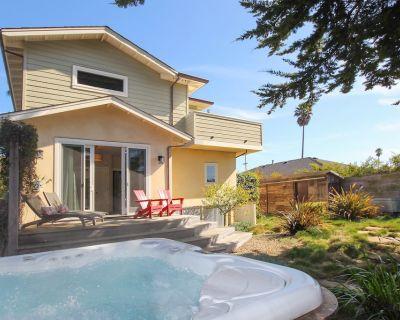 Pleasure Point Retreat | Hot Tub, Balcony Views & Game Room | Walk to Beach - Eastside Santa Cruz