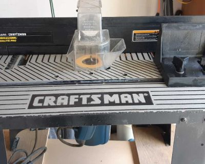 Router Table with Router and Bits