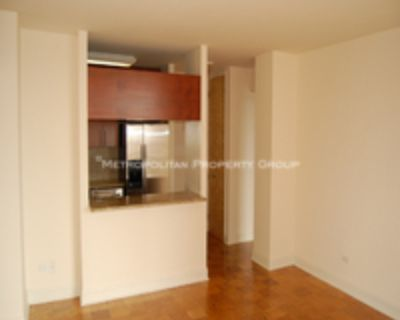 Murray Hill - Doorman/Elevator Spacious 2-Bedroom with Stylish Lobby, Gym, Garage, Complete Amenities