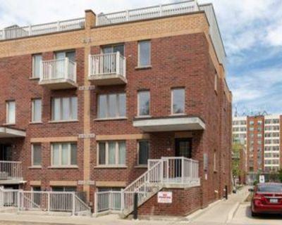 1 Ruttan Street #207, Toronto, ON M6P 0A1 3 Bedroom House