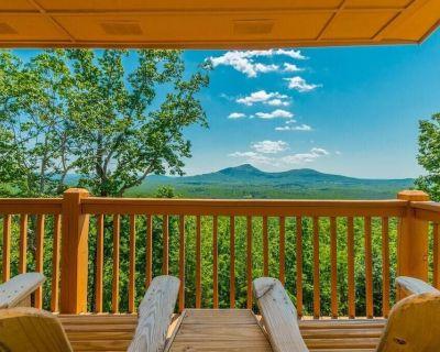 Deluxe Log Cabin | 3BR 3BA | Amazing Mountain Views | Hot Tub | Pool Table - Sautee Nacoochee