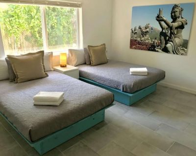 Studio Two Double Beds at Zen Residences - NO cleaning fee - Northeast Miami