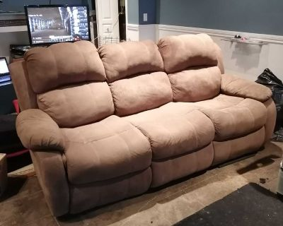 FREE MICROFIBRE COUCH