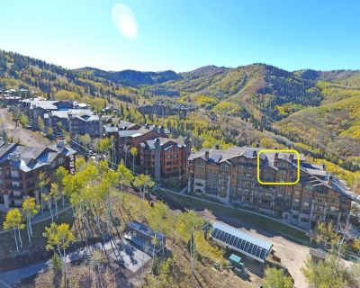 Chic Empire Pass Condo with Family-Friendly Layout and Prime Ski Access - Empire Pass