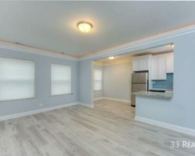 BEAUTIFUL LARGE 1 BED/1 BATH WITH IN-UNIT LAUNDRY....MUST SEE!!!!