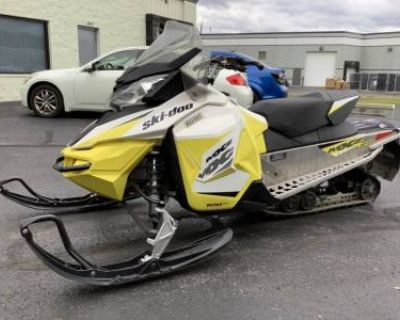 2017 Ski-Doo MXZ Sport Electric Starter ROTAX 600 ACE Ripsaw 1.2