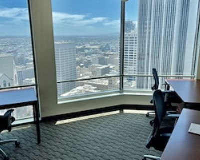 Private Office for 4 at US Bank Tower
