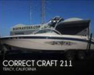 21 foot Correct Craft 21