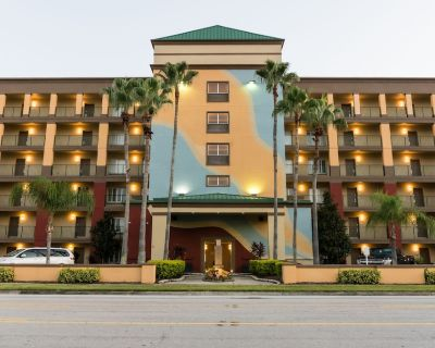 Golden Orlando's Sunshine Resort, 2 Bedroom Suite - Florida Center