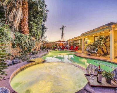 Kokomo Palms: Pool, Spa, Ping Pong, Fire Pit, and More Games!!! - Indio