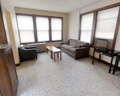 1 Bedroom Apartment - Lease Takeover / Sublet