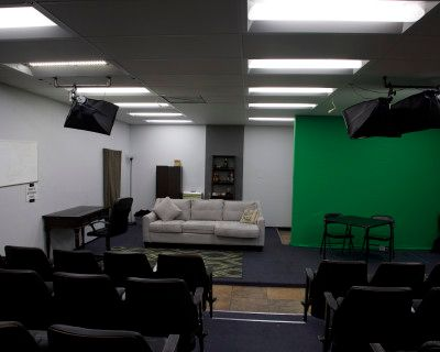 1200 sq ft Studio Space w/ 40 seat stadium seating, Los Angeles, CA