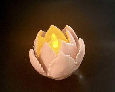 Pink tea light candle holder