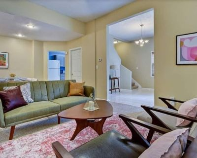 Very Spacious 3BR Home with Patio - Near Eastside