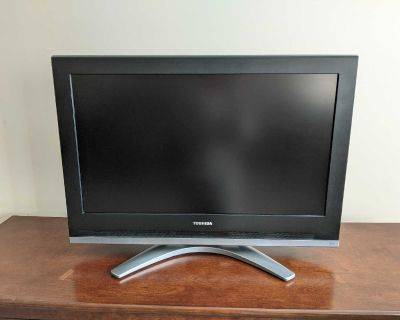 """Toshiba 32"""" TV/Television with Remote"""