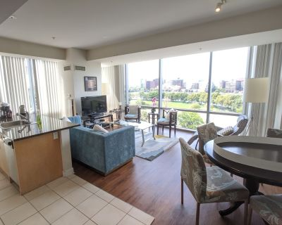 Sunny 2 Bedroom/ 2 Bathroom Apt, River View, By MGH,MIT,Harvard, W/D in suite, - West End