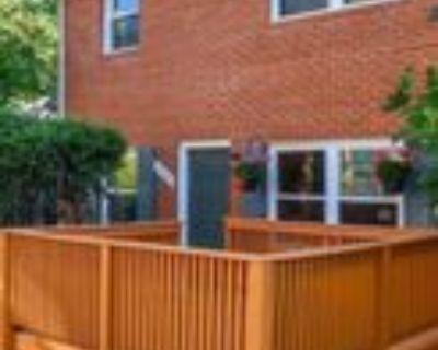 Hagel Cir, Lorton, VA 22079 2 Bedroom Condo