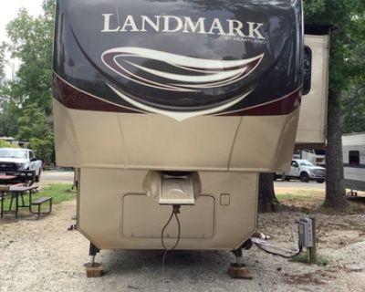 2013 Heartland Landmark LM Rushmore
