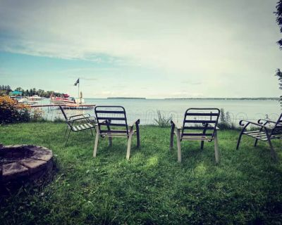 Waterfront Cottage On Lake Simcoe - Innisfil