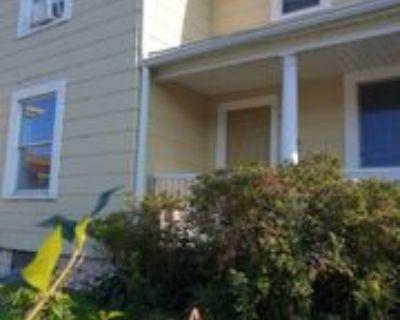 1340 Chatham St #LOWER, Racine, WI 53402 3 Bedroom Condo