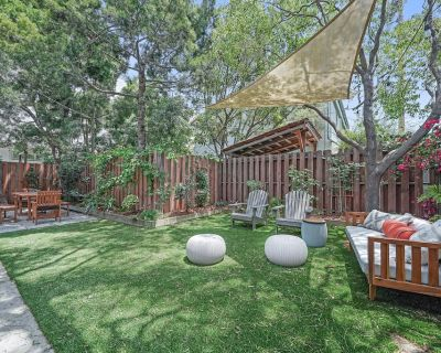 Venice Beach Cottage with incredible outdoor space!! - Venice