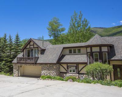 4 bdrm + loft, 4.5 bath West Vail Remodeled & Updated Mountain Tudor sleeps 13! - Highland Meadows