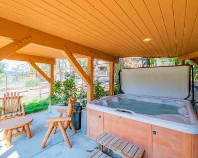 The Lake House - FREE Bike/Kayak Rental! 3BR/ 2.5BA/ WiFi - Big Bear Lake