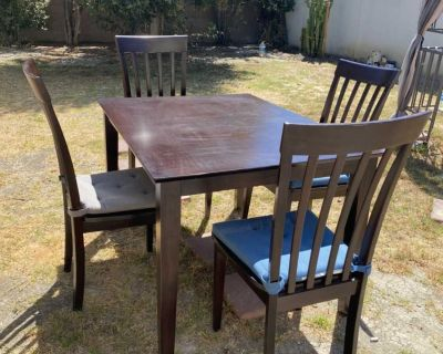 Dining/kitchen table and four chairs