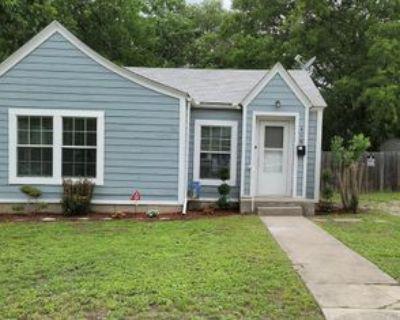 418 Lytle St, Kerrville, TX 78028 2 Bedroom House