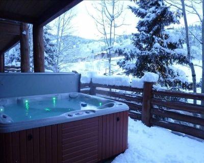 New kitchen! Master Bath Renovation! Private hot tub. Walk to lifts. - Park City