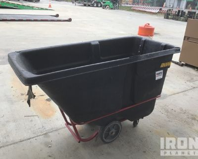 2018 Rubbermaid 1316 Garbage Container