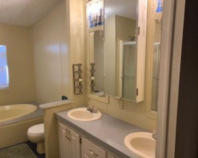$700 per month room to rent in Cheron Village Mobile Home Park available from July 19, 2021