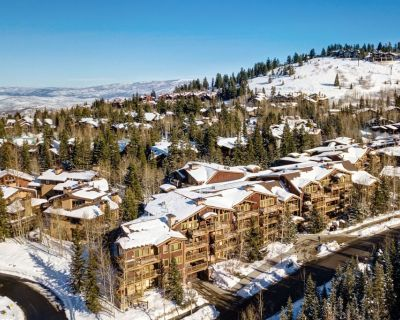 Family Summer Retreat, Walk to Trails, Private Hot Tub | Abode at Black Bear #231 - Deer Valley
