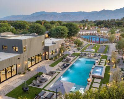 Mesquite38 by AvantStay | Sleeps 22! Incredible Estate w/ Pool, Bar, Tennis & Golf - La Quinta