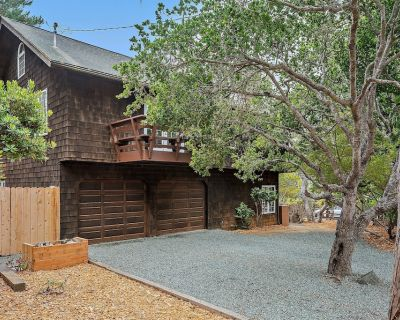 The Treetop House: 3 BR, 2 BA House in Cambria, Sleeps 8 - Lodge Hill