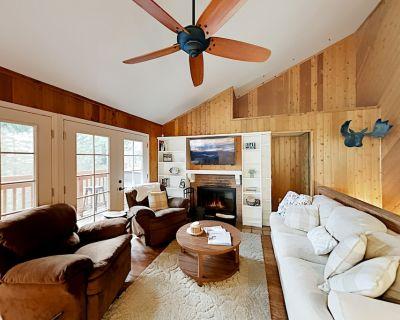 Arrowhead Villas Family Getaway | Game Room & Scenic Deck - Arrowhead Villas