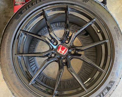 Illinois - Used 18 Wheels/Tires Set