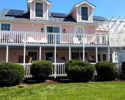 NEW - Gorgeous and 100 Steps to Private Beach! - Tower Shores