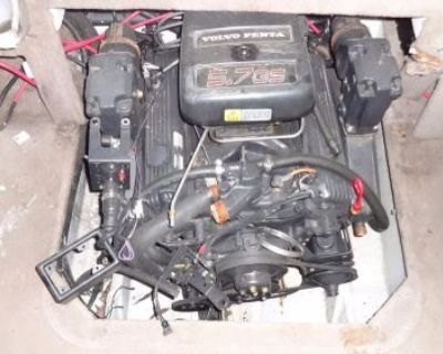 Volvo Penta 5.7 Chevy V8 Boat Engine Motor With Accessories Manifold Riser Carb